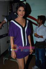 Priyanka Chopra on the sets of Star Plus Music Ka Maha Muqabla in Chembur on 23rd Dec 2009 (2).JPG