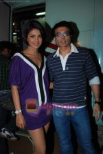 Priyanka Chopra, Uday Chopra on the sets of Star Plus Music Ka Maha Muqabla in Chembur on 23rd Dec 2009 (25).JPG