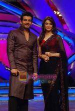 Jay Bhanushali, Saumya Tandon on the sets of Dance India Dance on 25th Jan 2010 (4).JPG