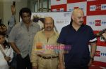 Rakesh Roshan, Rajesh Roshan at Big Fm studios in Andheri on 24th March 2010 (4).JPG