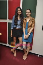 Kriti Malhotra, Monica Dogra promote Dhobighat on Radio Mirchi in Andheri, Mumbai on 19th Jan 2011 (34).JPG