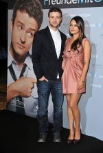 Mila Kunis, Justin Timberlake attends the Freunde Mit Gewissen Vorzuegen - Friends With Benefits Berlin photocall at Hotel Adlon on July 29, 2011 in Berlin, Germany (3).jpg