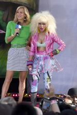 Lara Spencer and Nicki Minaj at the Nicki Minaj in Concert in Good Morning America in Central Park, New York City on August 5, 2011 (1).jpg