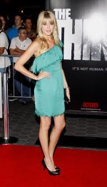 Sarah Wright attends arrives at LA Premiere of The Thing in Universal Studios on 10th October 2011 (3).jpg