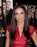 Demi Moore arrives to the _Margin Call_ New York City Premiere in Landmark Sunshine Cinema on 17th October 2011 (1).jpg