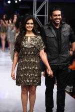 Koel Mallick walks for Rocky S on day 2 of Bengal Fashion Week on 22nd Feb 2014 (59)_5309f6220e2d5.jpg