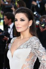Eva Longoria on the Red Carpet  on Day 6 at Cannes (1)_555b0e0f2f606.jpg