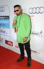 Honey Singh at Ht Most Stylish Awards in Delhi on 24th May 2016 (62)_574708fa01817.JPG