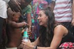 Lauren Gottlieb snapped interacting with street kids on 9th June 2016 (22)_575a82b6c64da.JPG