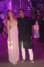 Vindu Dara Singh, Dina Umarova at Azhar Morani & Tanya Seth Sangeet in NSCI worli on 7th Feb 2019 (15)_5c611df9dc959.JPG
