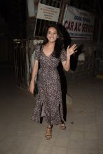 Asha Negi spotted at Kromakay salon in juhu on 17th March 2019 (7)_5c9090157d024.JPG