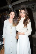 Shama Sikander, Laxmi Rai spotted at Bayroute in juhu on 19th June 2019 (34)_5d0b2fe8d833e.JPG