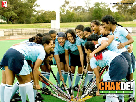movie review on chak de india Chak de india does, however, fail to mention that hockey is the national game  of india overall, chak de is a good movie, eminently watchable and enjoyable  for a couple of times, even for sport haters like me  lit review overview.