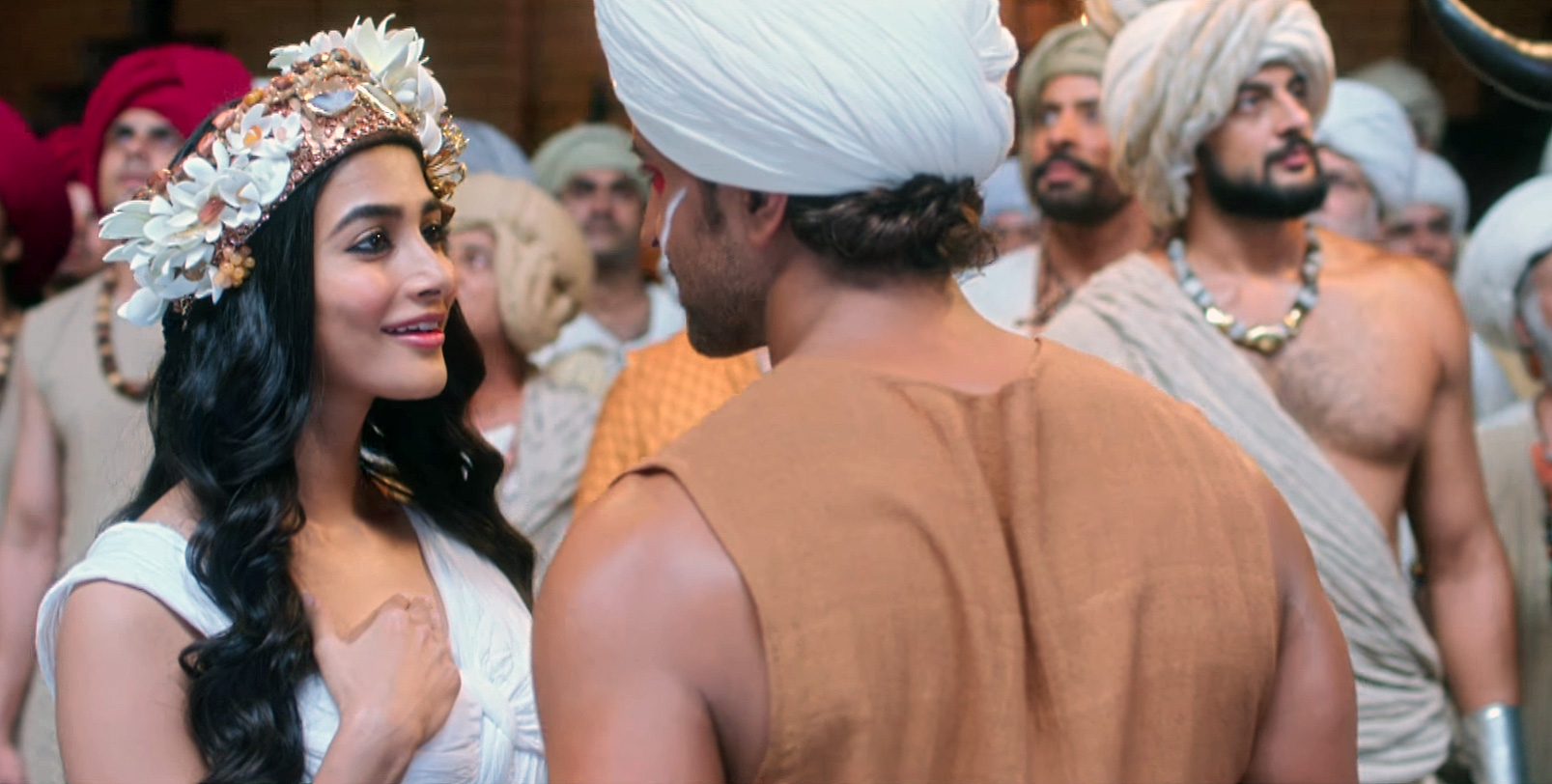 Hrithik Roshan, Pooja Hegde in Tu Hai Video Song Still from Mohenjo Daro Movie (1)