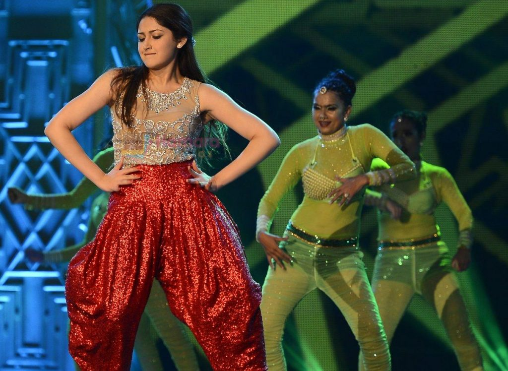 Sayyeshaa Saigal at SIIMA Awards 2016