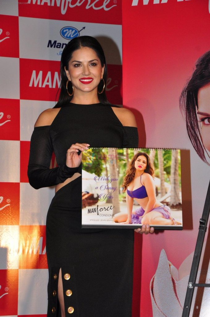 Sunny Leone at MANforce calendar launch on 11th July 2016 shown to user