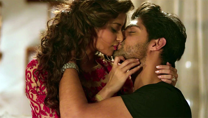 Tanuj Virwani and Nyra Banerjee in an intimate scene from One Night Stand movie